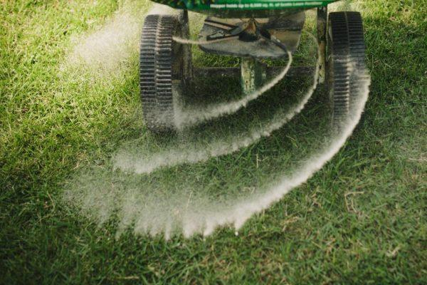 Whether you need weed control or overseeding, Lawn Pros has the Wichita fertilizer you need.